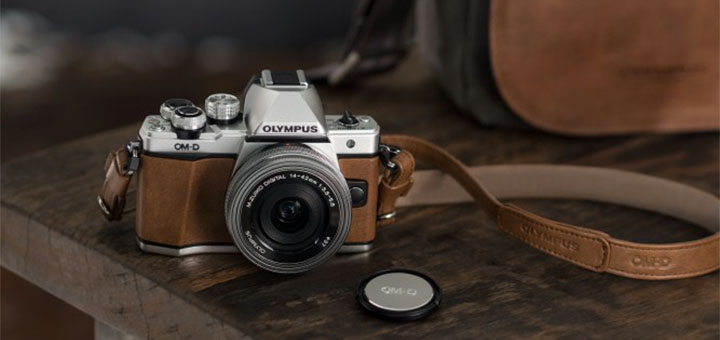 Võida Olympuse kaamera koos Mini Messenger nahkkotiga