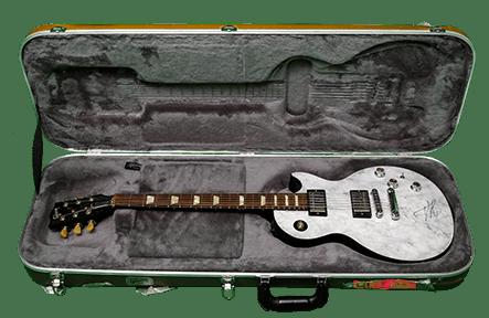 Annihilator'i autogrammiga Gibsoni kitarr